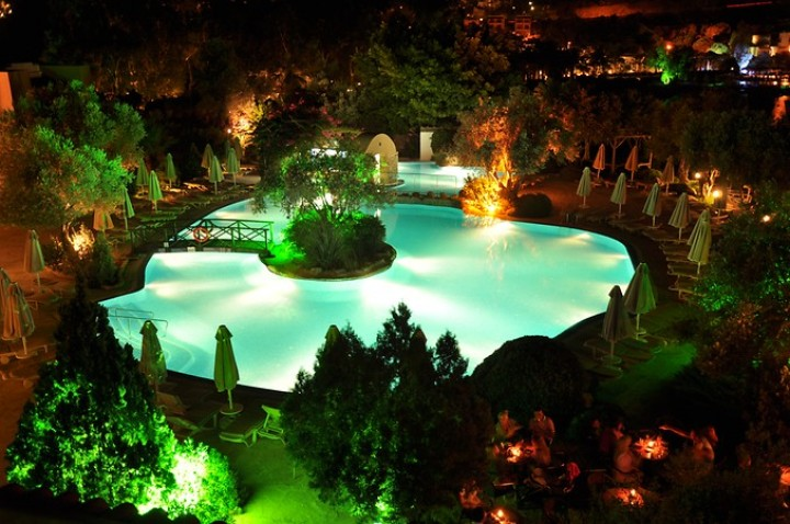 İzer Hotel & Beach Club
